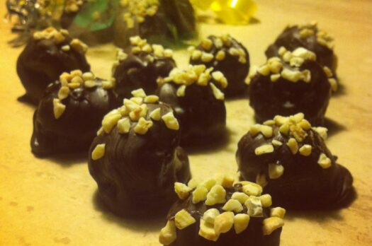 Sunde påskeæg med chokolade og kakao