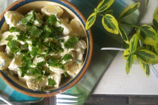 Sund kartoffelsalat lavet på skyr
