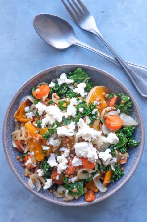 Salat med butternut squash og grønkål