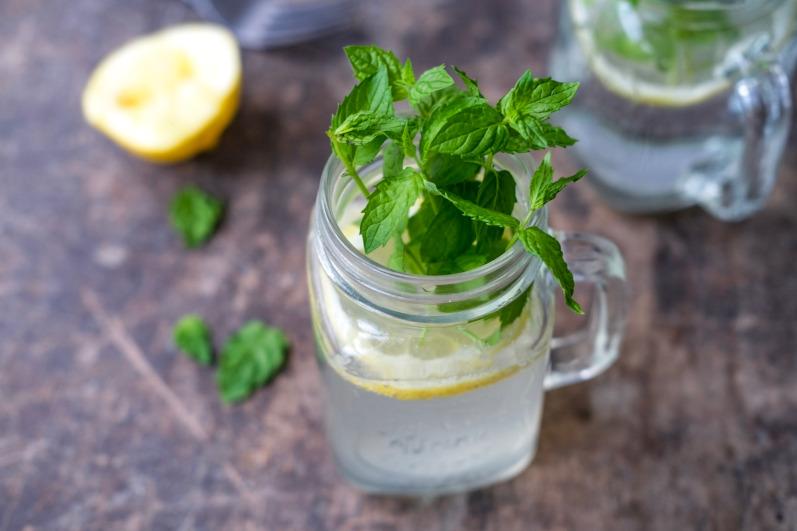 Hyldeblomst lemonade med citron